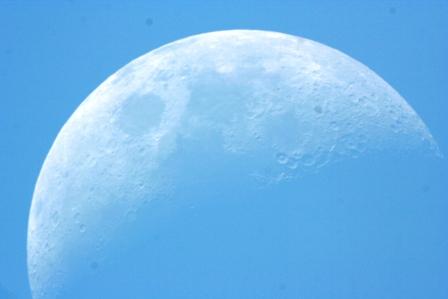 midday_moon_01.jpeg